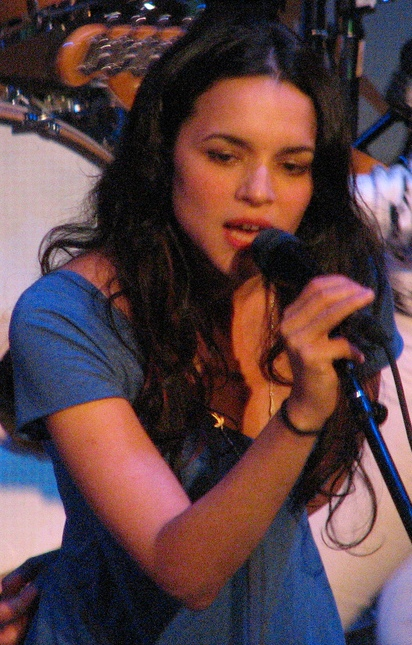 naissance-norah-jones/norah-jones-at-bright-eyes-2.jpg