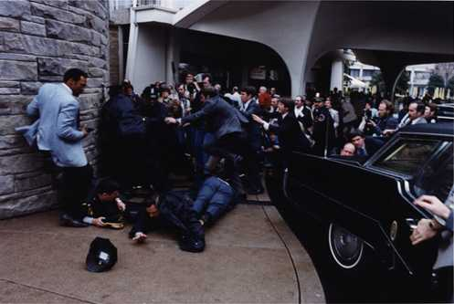 ronald-reagan-atteint-dun-projectile/reagan-assassination52.jpg
