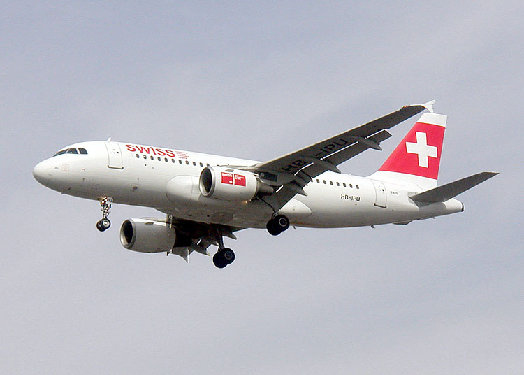 swissair-devient-swiss-international-air-lines/swiss-a319.jpg