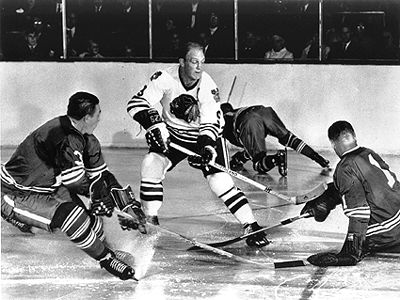 sports-bobby-hull-compte-son-51e-but-de-la-saison/hull.jpg