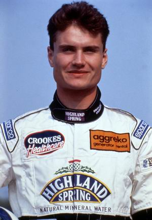 pele-mele-david-coulthard-conduit-avec-des-cotes-fracturees/david-coulthard1.jpg